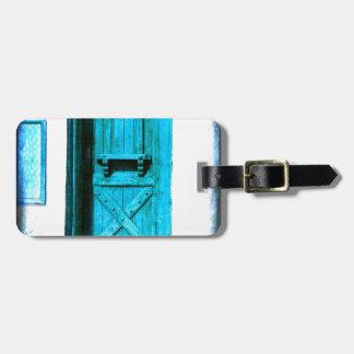 昔ながらので素朴で青いドアSantoriniギリシャ ラゲッジタグ