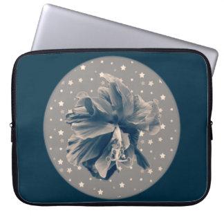 星のユニークなモノクロ青いハイビスカス ラップトップスリーブ