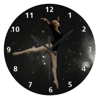 星の女の子のバレリーナおよびオリオンの星雲 ラージ壁時計