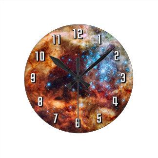 星の子供部屋R136のタランチュラの星雲NASAの写真 ラウンド壁時計