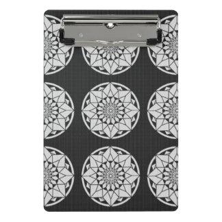 星の曼荼羅の編む黒及び白 ミニクリップボード