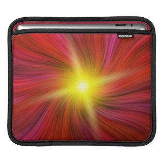 星は赤い渦巻く渦のiPadの袖で破烈しました iPadスリーブ