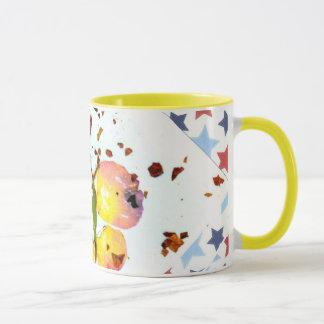 星明かりの蝶、黄色い信号器11ozのコーヒーまたは茶マグ マグカップ