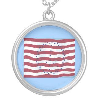 星条旗のピースサインの旗のネックレス シルバープレートネックレス