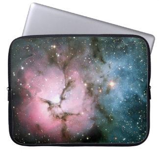 星雲の星の銀河系のヒップスターのオタクのカッコいいの自然の宇宙 ラップトップスリーブ