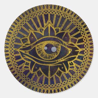 星雲の空のすべての見る神秘的な目の金ゴールド ラウンドシール