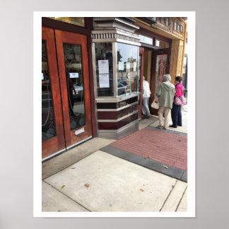 映画館の入口の写真 ポスター