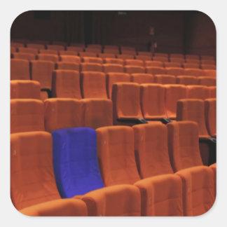 映画館の劇場の青い座席個人 スクエアシール