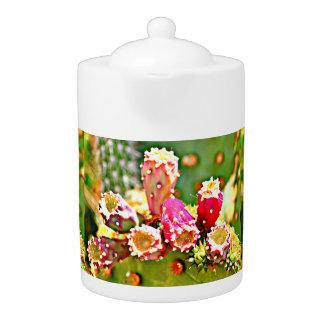 春のサボテンの球根の茶ポット
