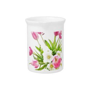 春のチューリップの花束 ピッチャー