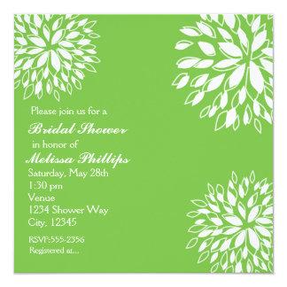 春のモダンなライムグリーンの白い花の招待状 カード