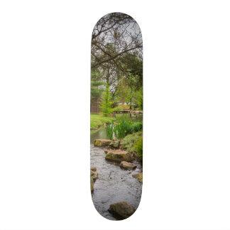 春の入り江の美しい 18.1CM オールドスクールスケートボードデッキ