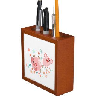 春の机のオルガナイザーの2匹のかわいい漫画のブタ ペンスタンド