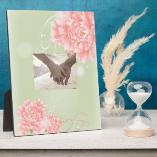 春の植物の真新しいピンクのシャクヤクの結婚式 フォトプラーク