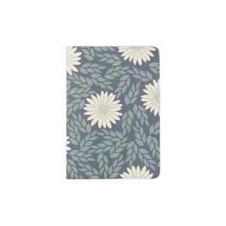 春の花のデイジーパターン パスポートカバー