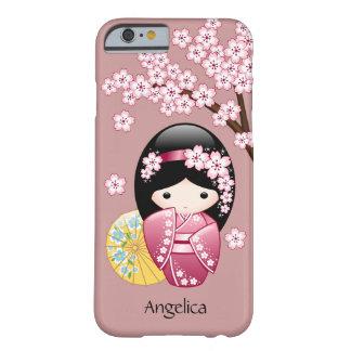 春のKokeshiの人形-ピンクのかわいく日本のな芸者 Barely There iPhone 6 ケース