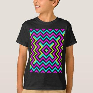 春色のシェブロンパターン Tシャツ