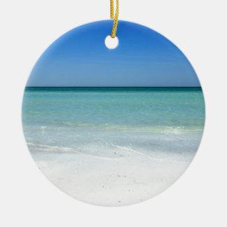 昼寝のビーチ湾海岸 セラミックオーナメント