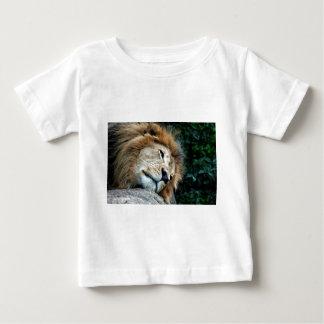 昼寝 ベビーTシャツ