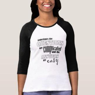 """""""時々質問はです複雑"""" Tシャツ"""