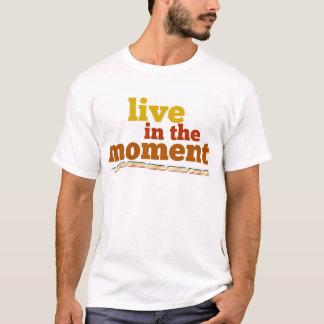 時に住んで下さい Tシャツ
