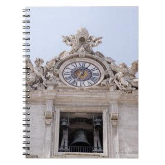 時計および鐘、バチカン市国、ローマ、イタリア ノートブック