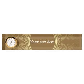 時計が付いている金シールの名前の表示