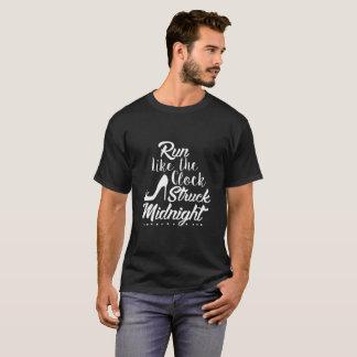 時計によって打たれる真夜中のような操業 Tシャツ