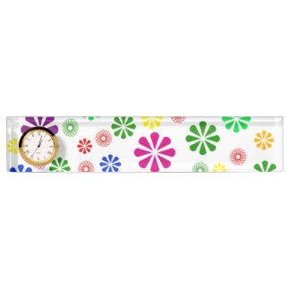 時計または花柄のデイジーの机用ネームプレート デスクネームプレート