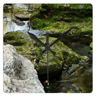 時計: 禅の入り江の岩が多い景色 スクエア壁時計
