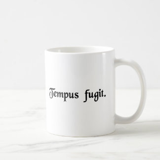 時間は飛びます コーヒーマグカップ