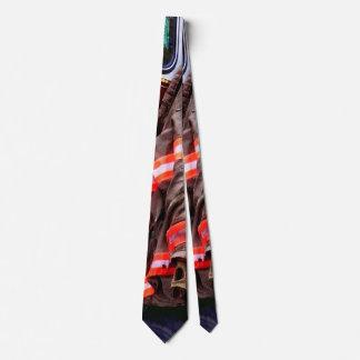 普通消防車の消防士のジャケット ネクタイ
