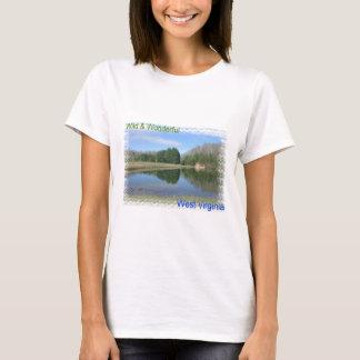 景色のアパラチア山脈湖 Tシャツ
