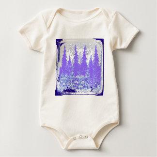 景色の冬の紫色の森林芸術 ベビーボディスーツ