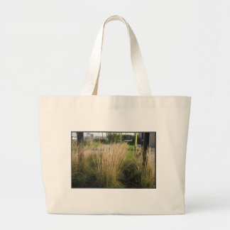 景色の草によって成熟させるテンプレートは文字IMGを加えます ラージトートバッグ