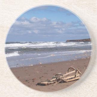 景色シリーズ---PEIのビーチによって壊されるロブスターのトラップ コースター