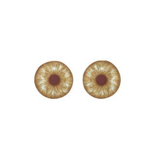 暖かいブラウンの目、Shineyおよび明るい ピアス