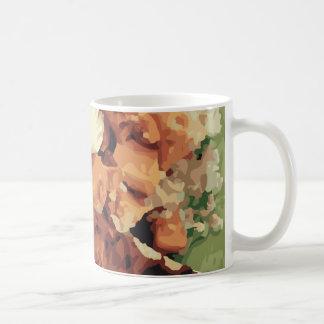 暖かい手製のポテトおよびインゲン コーヒーマグカップ