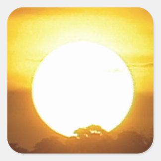 暖かい日没の金地平線 スクエアシール