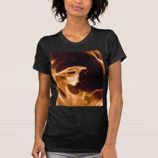 暖炉の火の炎 Tシャツ