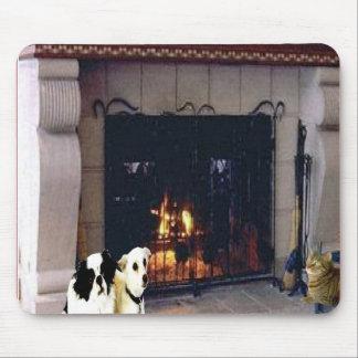 暖炉、mousepadのまわりのちょうど友人 マウスパッド