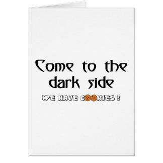 暗いサイドに来られて私達はクッキーを食べます! カード