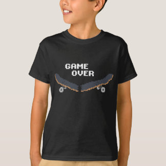 暗いスケートボードをするTシャツ上のゲーム Tシャツ