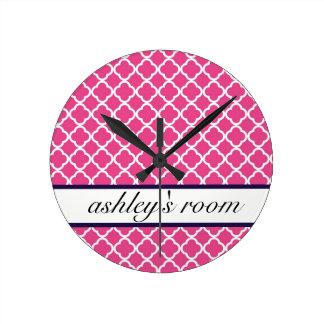 暗いピンクのモロッコの名前入りな時計 ラウンド壁時計