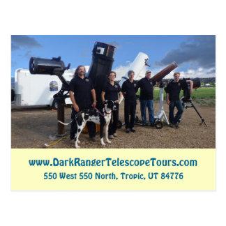 暗いレーンジャーの望遠鏡はスタッフの写真の郵便はがきを旅行します ポストカード