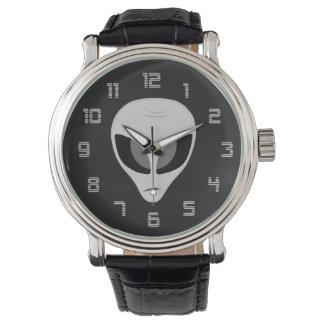 暗い外国の腕時計 腕時計