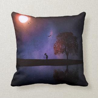 暗い夜ファンタジーの枕 クッション