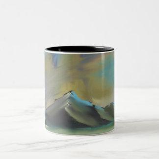 暗い山のマグ ツートーンマグカップ