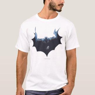 暗い岬を持つバットマン Tシャツ