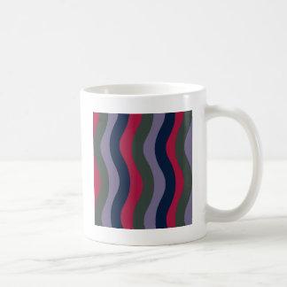 暗い波状は縞で飾ります コーヒーマグカップ